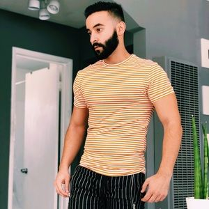 Yellow stripes 🦓 tee